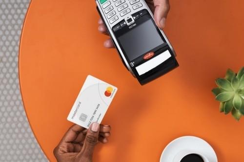 Mastercard quiere eliminar los pagos en efectivo, en México se alía con Drive para lograrlo