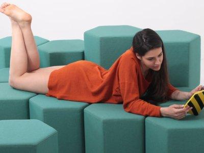 Este sistema de asientos modular futurista cambia de forma y se configura desde el móvil