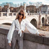 Siete camisas blancas en busca de un pantalón de temporada que salvarán tus looks a cualquier hora del día