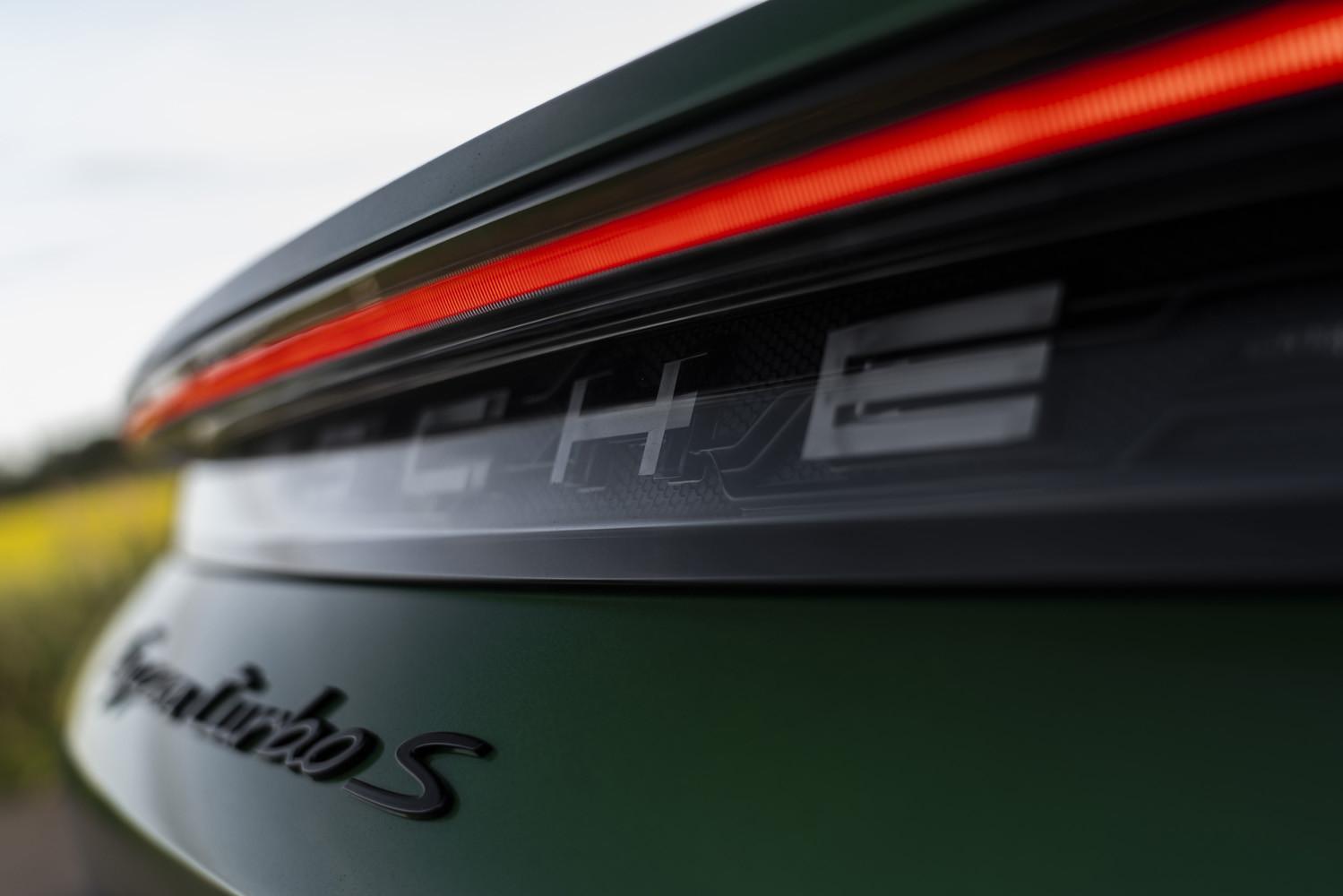 Foto de Porsche Taycan prueba contacto (229/275)
