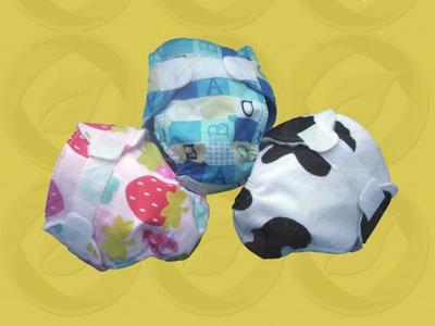 Pañales de tela para bebés de juguete