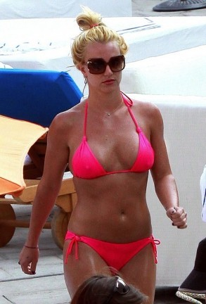 Britney Spears luciendo tipazo en Hollywood