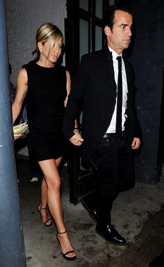 jennifer-aniston-and-boyfriend-justin-theroux