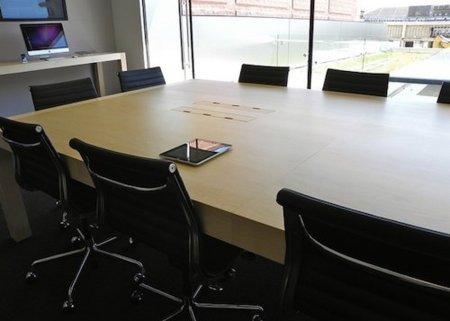 Los clientes sólo vemos parte de la tienda: Las salas de conferencias de las Apple Store