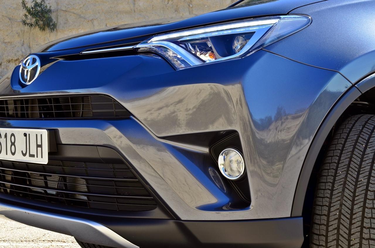 Foto de Toyota RAV4 150D Advance (56/75)
