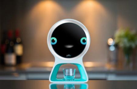 Pillo es robot asistente que mira por tu salud: reconoce caras y dispensa medicamentos