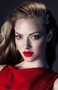 ¿Quién es ese bellezón? Amanda Seyfried para Clé de Peau Otoño 2013