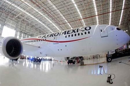 Aeroméxico implementará conexión de Banda Ancha en sus vuelos