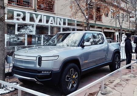 Amazon pone los ojos en los vehículos eléctricos de Rivian y lidera una ronda de financiación de 700 millones