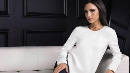 El ropero de Victoria Beckham se vende de forma solidaria: puede ser tuyo en The Outnet