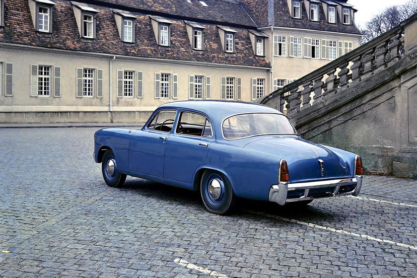 De Studebaker al Opel Zafira, los coches que quizá no sabías que eran un Porsche