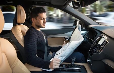 El coche autónomo tiene un reto: el de superar la cinetosis y no hacerte vomitar