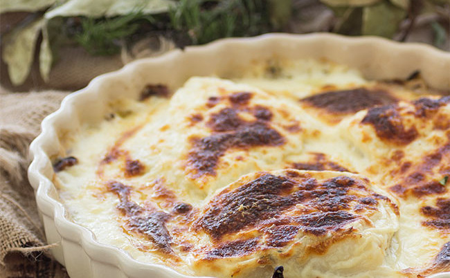 Bacalao gratinado con cebolla y patatas: Receta de Semana Santa