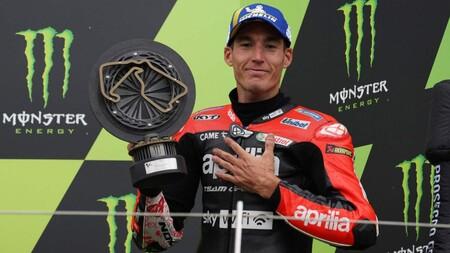 Aleix Espargaró estrenó a Aprilia en el podio de MotoGP y las seis motos estuvieron en el 'top seis' de Silverstone