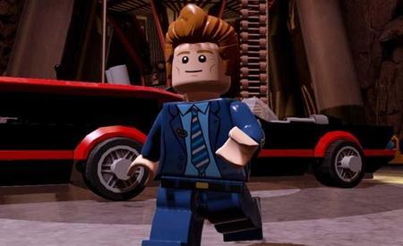 Conan O'Brien y otros invitados aparecen en el nuevo video de LEGO Batman 3