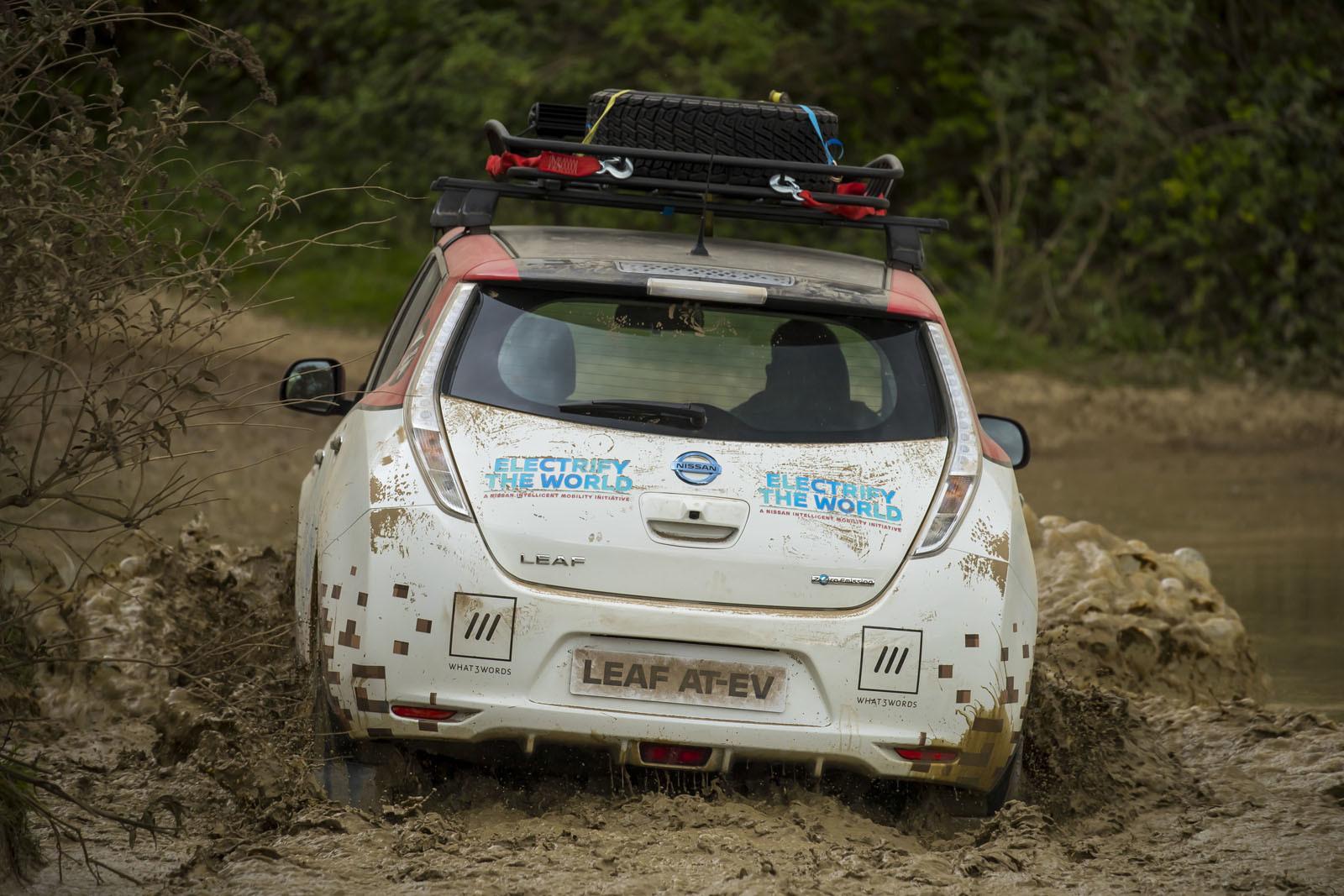 Foto de Nissan Leaf AT-EV (12/19)
