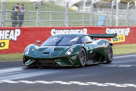 El Brabham BT62 logra el récord de vuelta en el circuito de Mount Panorama, en Bathurst... ¡y hay vídeo!