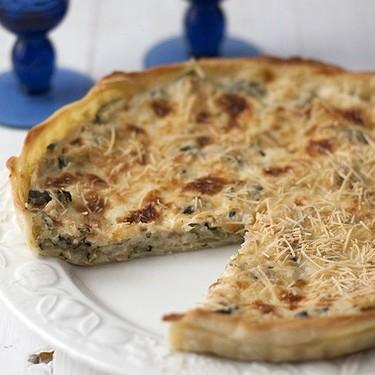 Tarta fácil de calabacín, beicon y cebolla: receta sabrosa para salir de un apuro