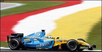 Fisichella pole, Rosberg tercero