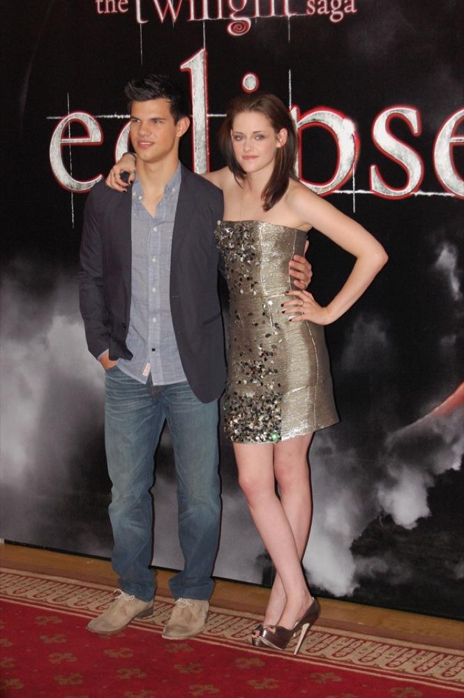 Foto de Más looks de Kristen Stewart presentando lo nuevo de 'Crepúsculo', 'Eclipse': en busca del estilo (9/18)