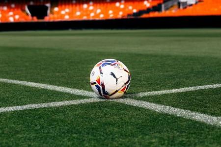 Dónde ver el fútbol esta temporada 2020/2021: estas son las plataformas, canales y precios definitivos de todas las competiciones