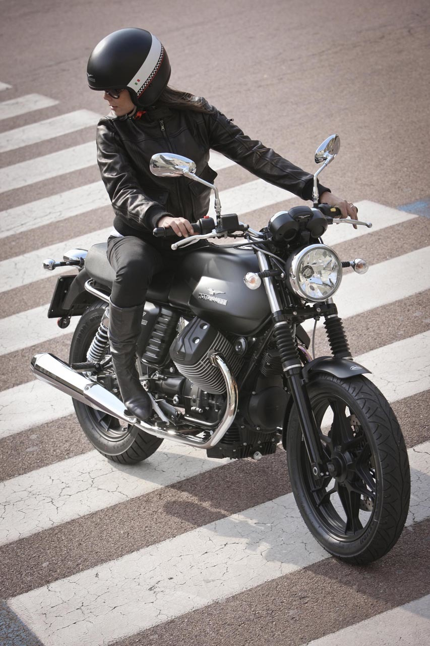 Foto de Moto Guzzi V7 Stone (29/57)