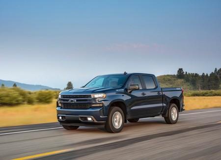 La Chevrolet Silverado de cuatro cilindros gasta más gasolina que la V8