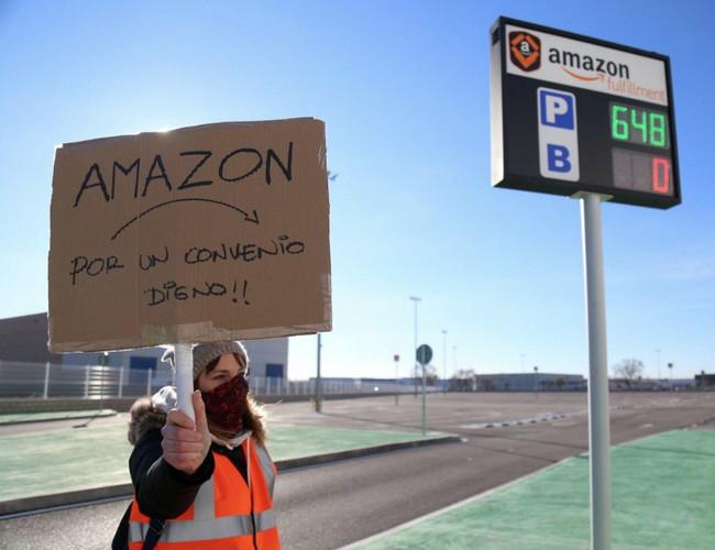 Oficial: el centro logístico de Amazon en Madrid hará huelga durante el Black Friday