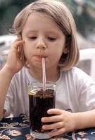 Colorantes y conservantes artificiales propician la hiperactividad en los niños