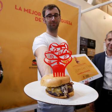 Dejó la obra pública para convertirse en parrillero: ahora prepara la mejor hamburguesa de España