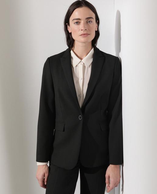 Blazer de mujer en color negro liso