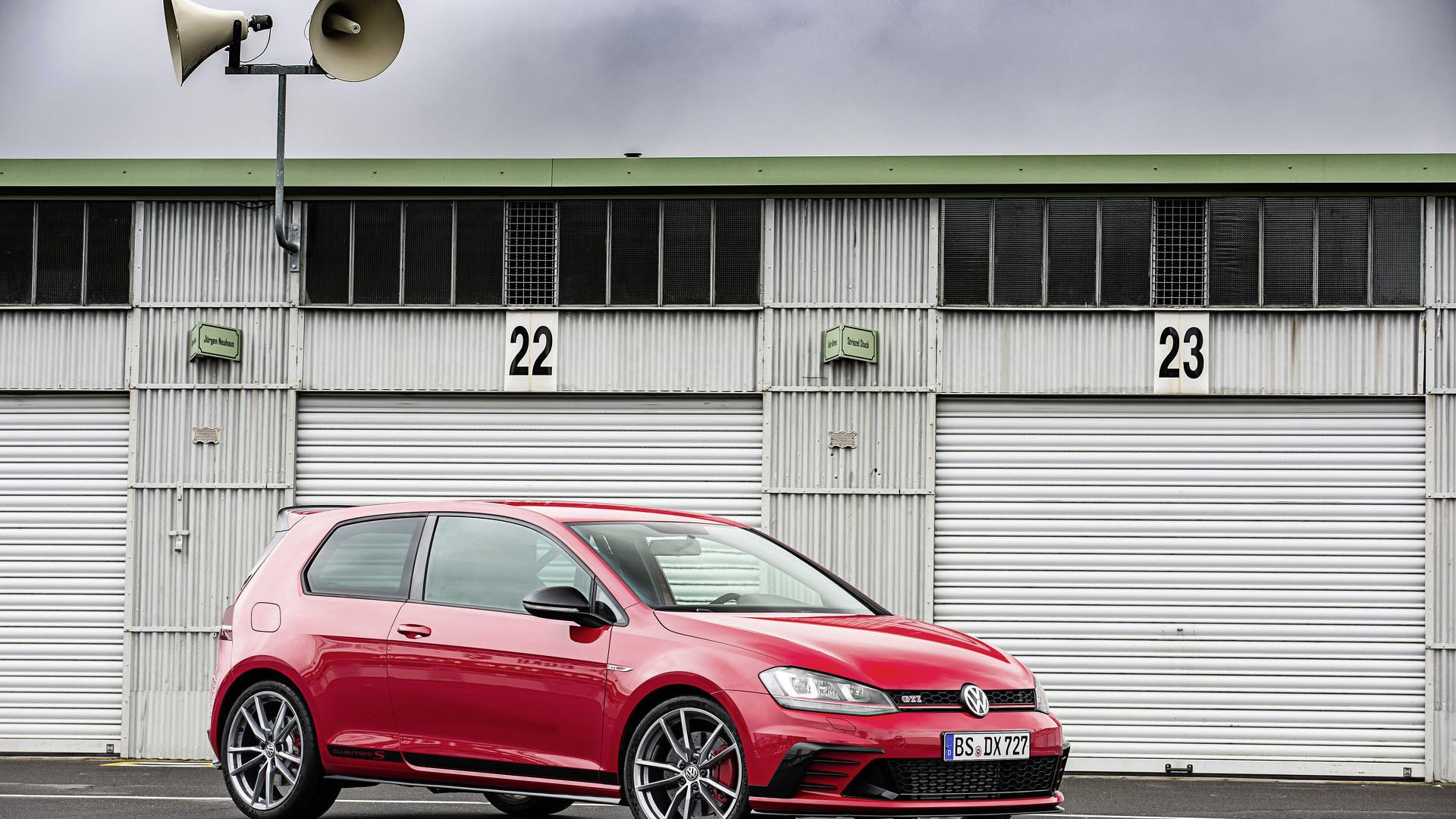 Foto de Volkswagen Golf GTI Clubsport S (18/36)