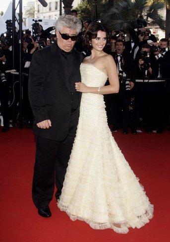 El vestido de novia de Penélope Cruz: sus mejores looks con vestidos de fiesta blancos