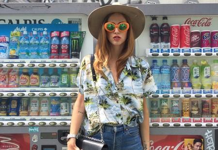 El street style nos convence para ponernos la camisa hawaiana: 17 looks para copiar cuando llegue el verano