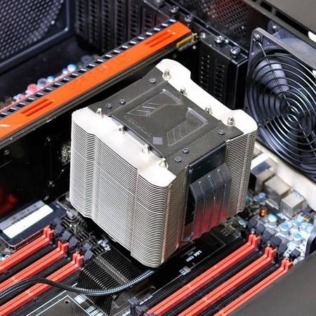 Lian_Li_DK01_escritorio_gabinete_CPU_cooler