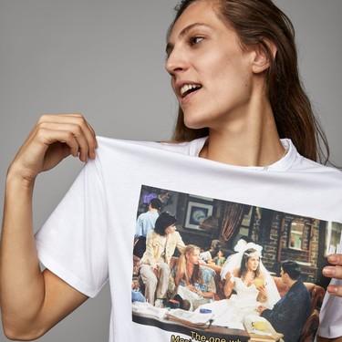 Zara lanza dos camisetas con escenas de Friends y, aunque sean horribles... ¡las queremos!