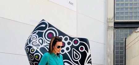 Verde, amarillo y rosa. Así recoge Nieves Álvarez el premio a mejor calzada 2017