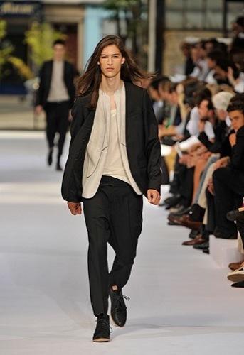 Dior Homme, Primavera-Verano 2010 en la Semana de la Moda de París