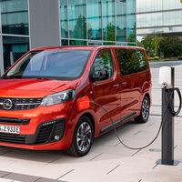 La nueva Opel Zafira-e Life es una furgoneta eléctrica con tres tamaños y hasta 330 km de autonomía, desde 52.708 euros