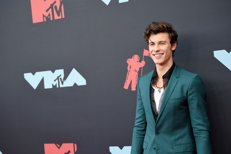 Shawn Mendes repite fórmula con su (gran) look en los premios MTV Video Music Awards 2019