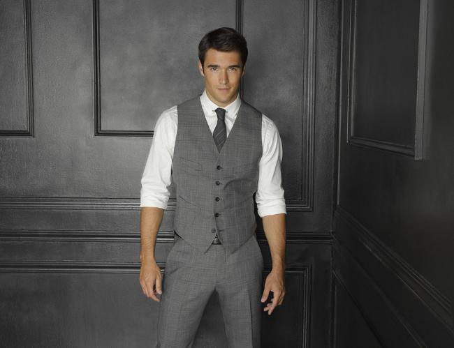 Daniel Grayson Traje gris segunda temporada
