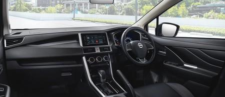 Nissan Livina 5