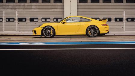 El nuevo Porsche 911 GT3 vuela en el Nordschleife en 7 minutos, 12,7 segundos. Sí, hay vídeo.