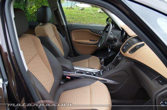 Opel-Zafira-Tourer-04