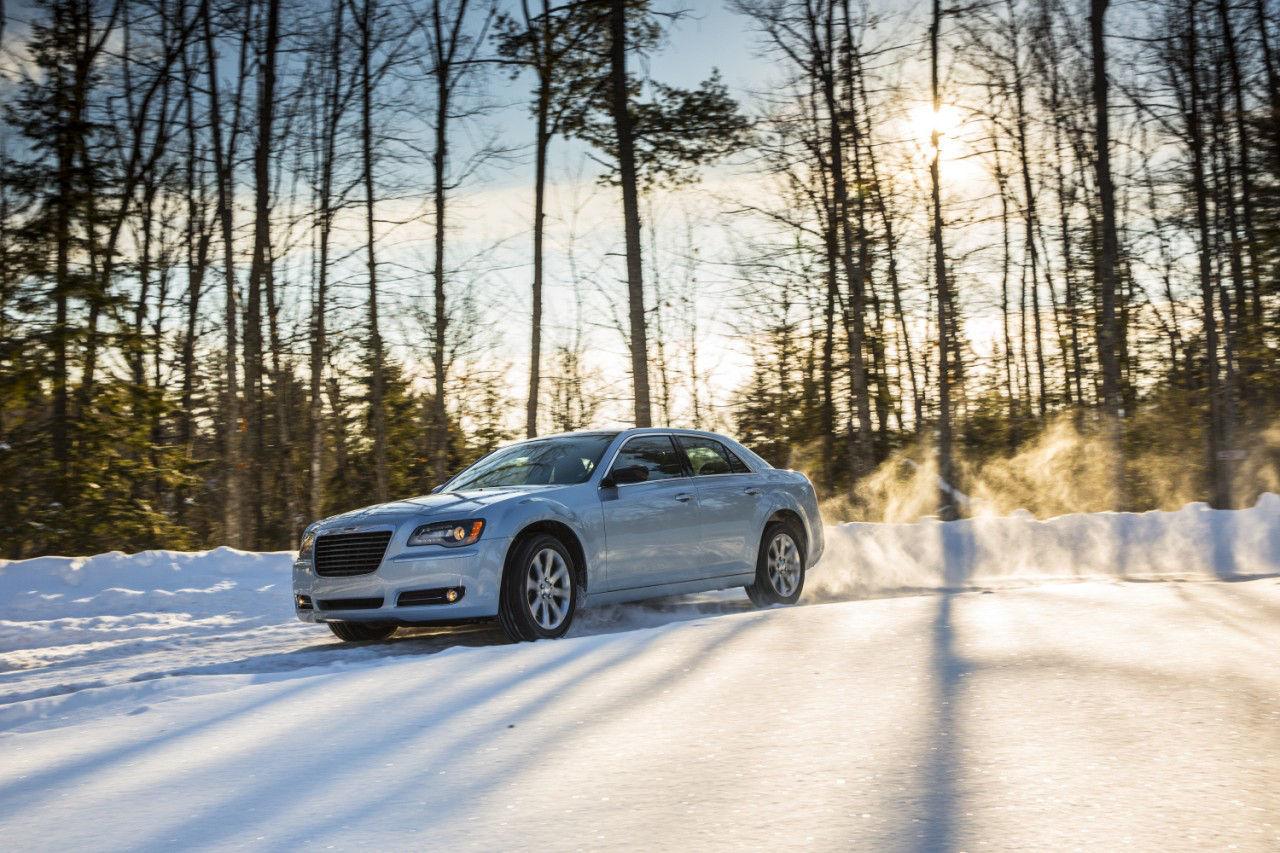 Foto de 2013 Chrysler 300 Glacier (1/27)