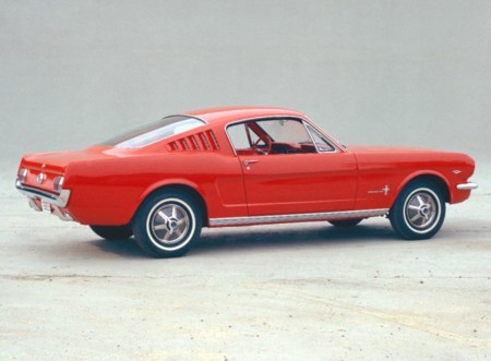 Ford Mustang Fastback 1965 01
