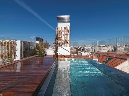 Edificio con piscina centro de Madrid