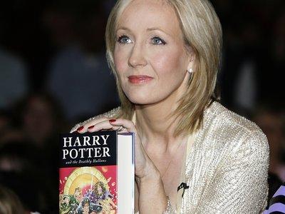 La autora de la saga 'Harry Potter' pide perdón por matar a Snape