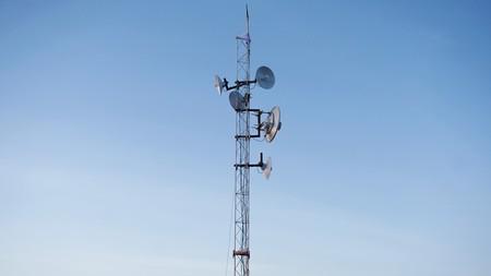 Telcel pisa el acelerador para lanzar su red 5G en México: Telmex le cede su banda y comienza con pruebas, según El Economista