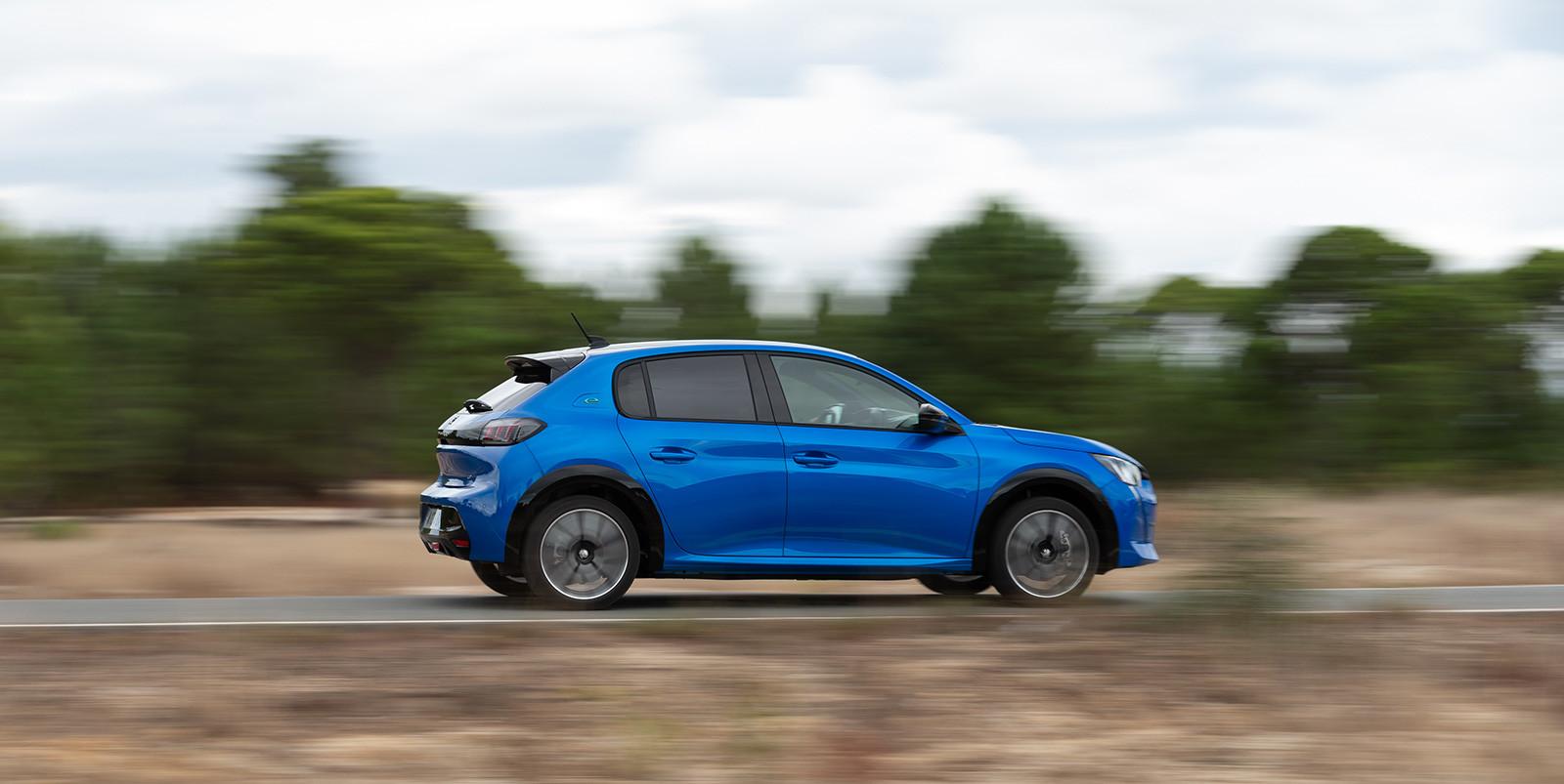 Foto de Peugeot e-208 2020 (24/24)